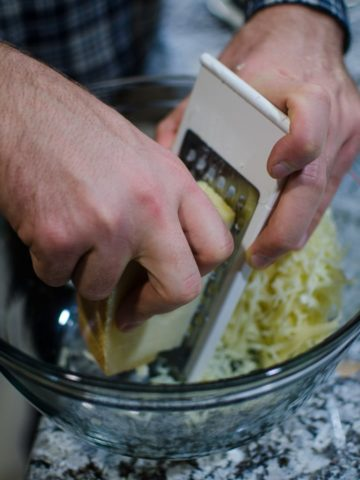 Grate the gruyère.