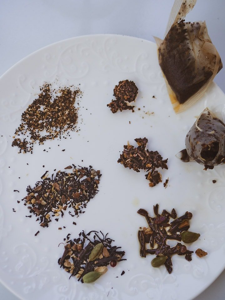Comparison of 3 types of tea with CTC tea, loose-leaf tea from a tea bag, and loose leaf with dry and brewed side by side