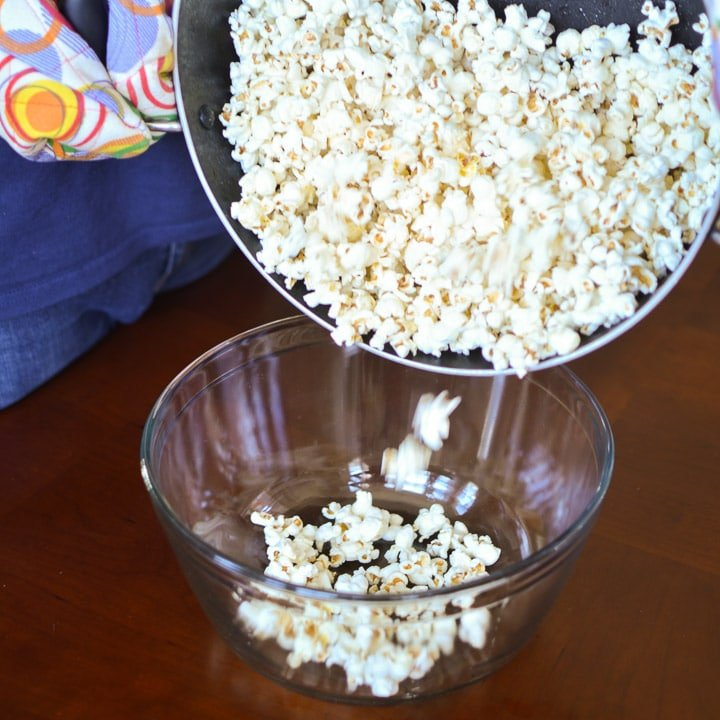 Pour popcorn out