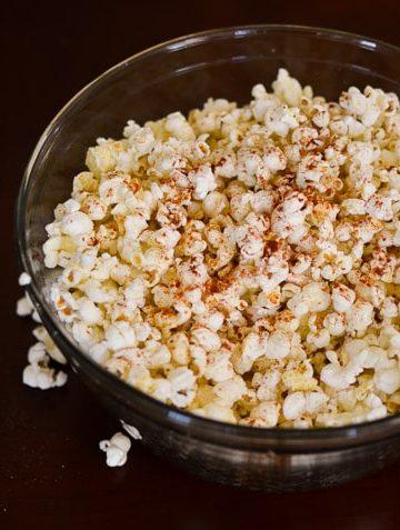Garlic Butter Popcorn-sprinkle paprika