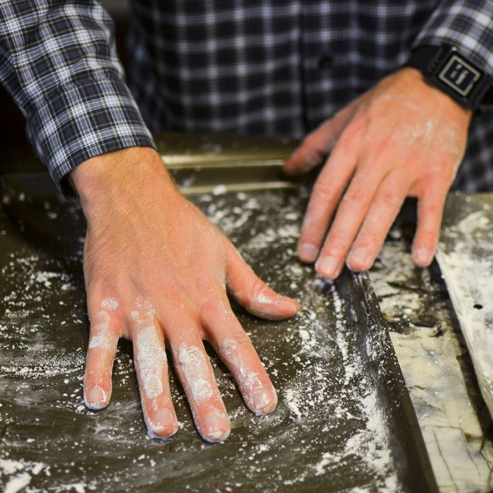 Dust 2 baking sheets with the cornstarch